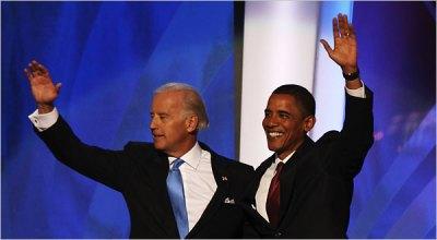 Obama (vpravo) a Biden