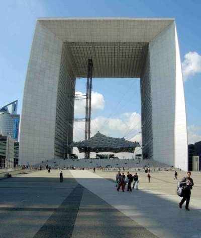 Pařiž, L'Arche de la Défense (foto Pascal Fernandez)