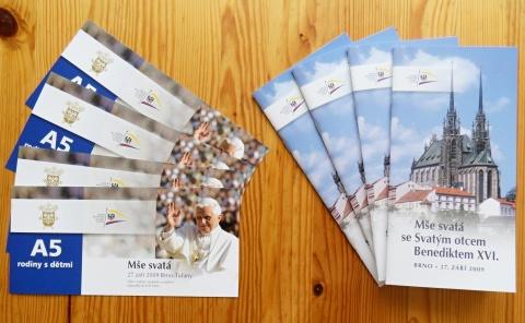 Vstupenky a brožurky s programem